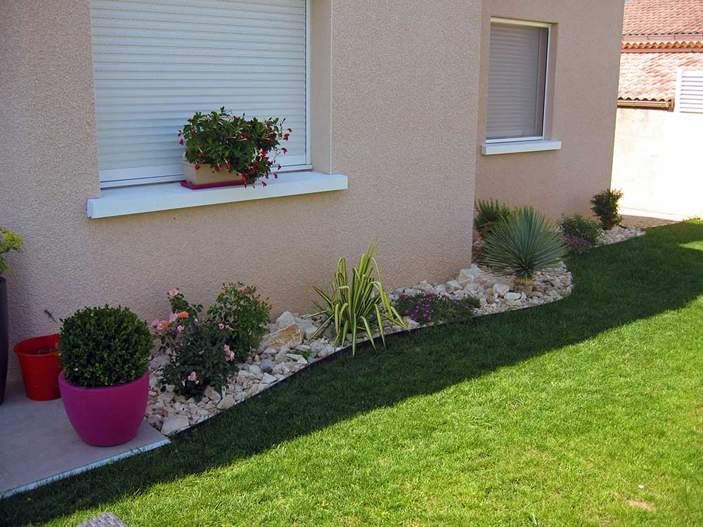 Id es am nagement jardin devant maison for Idee amenagement paysager devant maison